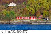Traditional Norwegian coastal landscape, red wooden house (2016 год). Стоковое фото, фотограф EugeneSergeev / Фотобанк Лори