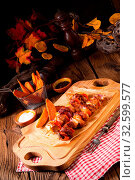 Купить «Sweet potato fries with spicy paprika shashlik», фото № 32599577, снято 26 мая 2020 г. (c) easy Fotostock / Фотобанк Лори