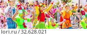 "Купить «Russia Samara August 2019: Children in festive floral costumes at the procession ""Flower Festival""», фото № 32628021, снято 24 августа 2019 г. (c) Акиньшин Владимир / Фотобанк Лори"