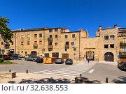 Купить «Лагуардия, Испания. Древние ворота Puerta de Paganos», фото № 32638553, снято 23 июня 2017 г. (c) Rokhin Valery / Фотобанк Лори