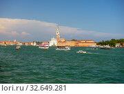 Купить «View of the Venice embankment. Italy.», фото № 32649281, снято 25 мая 2018 г. (c) Арестов Андрей Павлович / Фотобанк Лори