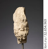 Fragmentary Head of Epikouros Worked for Insertion in a Bust, Unknown, Roman Empire, 100 - 150, Italian marble, 38.5 cm (15 3/16 in.) (2019 год). Редакционное фото, фотограф ARTOKOLORO QUINT LOX LIMITED / age Fotostock / Фотобанк Лори