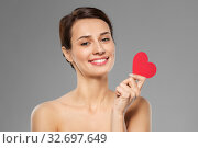 Купить «beautiful woman with pink heart shape», фото № 32697649, снято 30 ноября 2019 г. (c) Syda Productions / Фотобанк Лори