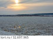 Купить «Великий Устюг. Река Сухона в ноябре», фото № 32697965, снято 26 ноября 2019 г. (c) Ирина Яровая / Фотобанк Лори