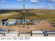 Watford City, North Dakota - Oil production in the Bakken shale formation. Стоковое фото, фотограф Jim West / age Fotostock / Фотобанк Лори