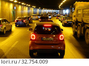 Berlin, Germany, cars are stuck in a tunnel on the A 100 motorway (2018 год). Редакционное фото, агентство Caro Photoagency / Фотобанк Лори