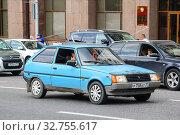 Купить «ZAZ 1102 Tavria», фото № 32755617, снято 2 июня 2013 г. (c) Art Konovalov / Фотобанк Лори