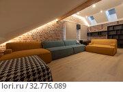 Купить «Interior of spacious living room», фото № 32776089, снято 29 августа 2019 г. (c) Ekaterina Demidova / Фотобанк Лори