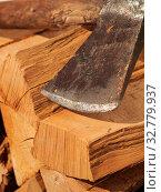 Купить «Pile of beech fire wood with an old axe, alternative energy», фото № 32779937, снято 29 марта 2020 г. (c) easy Fotostock / Фотобанк Лори