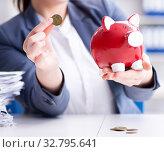 Businesswoman in pension savings concept. Стоковое фото, фотограф Elnur / Фотобанк Лори