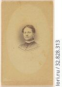 Unidentified woman, printed in vignette and quasi-oval style, Peter S. Weaver & E. Hanson, 1865–1870, Albumen silver print (2019 год). Редакционное фото, фотограф ARTOKOLORO QUINT LOX LIMITED / age Fotostock / Фотобанк Лори