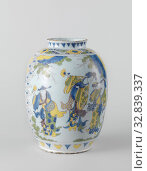 Купить «Pot of Chinese earthenware motifs., Pottery, egg shaped with low and narrow neck. Painted on the white tin glaze in blue, green, none and manganese with...», фото № 32839337, снято 26 февраля 2020 г. (c) age Fotostock / Фотобанк Лори