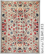 Купить «Palempore with pattern of vases, Palempore of cotton with a design in various colors of red, eggplant, blue and beige (probably earlier yellow). The decor...», фото № 32841813, снято 6 июня 2020 г. (c) age Fotostock / Фотобанк Лори
