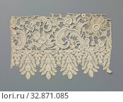 Купить «Cuff of needle lace with hanging points of bobbin lace, Cuff of natural colored Venetian needle lace 'gros point', trimmed with a strip of old Flemish...», фото № 32871085, снято 22 февраля 2020 г. (c) age Fotostock / Фотобанк Лори