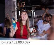 Glad young man and woman on party in the club. Стоковое фото, фотограф Яков Филимонов / Фотобанк Лори