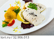 Recipe for steamed hake with vegetables. Стоковое фото, фотограф Яков Филимонов / Фотобанк Лори