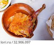 Купить «Castilian roast lamb», фото № 32906097, снято 9 апреля 2020 г. (c) Яков Филимонов / Фотобанк Лори