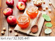 Купить «Яблочное повидло на столе. Вид сверху», фото № 32920441, снято 6 октября 2019 г. (c) Надежда Мишкова / Фотобанк Лори