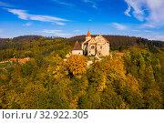 Купить «Medieval Pernstejn Castle, Czech Republic», фото № 32922305, снято 15 октября 2019 г. (c) Яков Филимонов / Фотобанк Лори