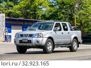 Купить «Nissan Navara», фото № 32923165, снято 22 мая 2017 г. (c) Art Konovalov / Фотобанк Лори