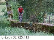 France, Burgundy, Saône-et-Loire, Brionnais, Marcigny, bike ride with Maurice Janvier. (2019 год). Редакционное фото, фотограф Philippe Michel / age Fotostock / Фотобанк Лори
