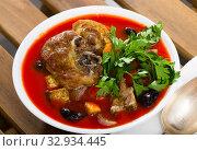 Купить «Tomato soup with mutton», фото № 32934445, снято 16 августа 2018 г. (c) Яков Филимонов / Фотобанк Лори