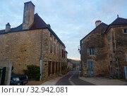 Купить «Streets of old French town Bligny-sur-Ouche, located in France», фото № 32942081, снято 12 октября 2018 г. (c) Яков Филимонов / Фотобанк Лори