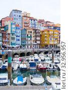 Купить «Bermeo Harbour, Bermeo, Biscay, Bizkaia, Vizcaya, Basque Country, Spain, Europe.», фото № 32956957, снято 12 декабря 2019 г. (c) age Fotostock / Фотобанк Лори