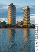 Купить «Skyscrapers in coastal zone of Barcelona», фото № 32962281, снято 16 апреля 2018 г. (c) Яков Филимонов / Фотобанк Лори
