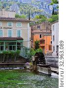 Fontaine de Vaucluse, Provence, France (2014 год). Редакционное фото, фотограф Знаменский Олег / Фотобанк Лори