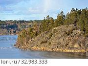 Stockholm archipelago, largest archipelago in Sweden, in Baltic Sea. Rocky island in early spring (2018 год). Стоковое фото, фотограф Валерия Попова / Фотобанк Лори