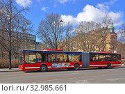 Купить «City bus in Stockholm, Sweden», фото № 32985661, снято 27 марта 2018 г. (c) Валерия Попова / Фотобанк Лори