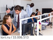 Angry boss blaming woman office worker. Стоковое фото, фотограф Яков Филимонов / Фотобанк Лори