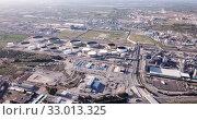 Купить «View of chemical factory complex near Salou, Spain», видеоролик № 33013325, снято 24 апреля 2019 г. (c) Яков Филимонов / Фотобанк Лори