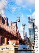 Ed Koch Queensboro Bridge, Roosevelt Island tram (2014 год). Стоковое фото, фотограф Сергей Новиков / Фотобанк Лори