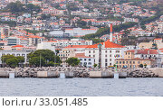 Купить «Mooring structures in port of Funchal, Madeira», фото № 33051485, снято 24 августа 2017 г. (c) EugeneSergeev / Фотобанк Лори