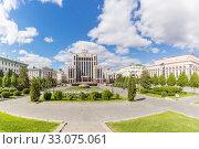 Купить «Freedom Square in Kazan in spring, Russia», фото № 33075061, снято 24 мая 2019 г. (c) Дмитрий Тищенко / Фотобанк Лори