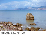 Купить «Meganom mountain range and beach, as well as the peninsula and cape in southeastern Crimea», фото № 33075129, снято 20 июля 2016 г. (c) katalinks / Фотобанк Лори