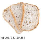Три кусочка пшеничного хлеба со злаками, изолировано на белом фоне. Стоковое фото, фотограф Игорь Долгов / Фотобанк Лори