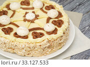 """Купить «Домашняя выпечка. Торт """"Полёт""""», эксклюзивное фото № 33127533, снято 9 января 2020 г. (c) Dmitry29 / Фотобанк Лори"""