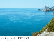 Купить «Beautiful seascape. Blue water lagoon on a bright sunny day», фото № 33132329, снято 22 июля 2016 г. (c) katalinks / Фотобанк Лори