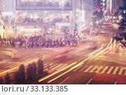 Купить «Cars and people crossing a busy Tokyo intersection», фото № 33133385, снято 24 февраля 2020 г. (c) PantherMedia / Фотобанк Лори