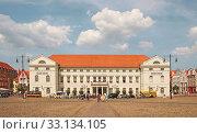 Rathaus Hansestadt Wismar Deutschland. Стоковое фото, фотограф Uwe Norkus / PantherMedia / Фотобанк Лори