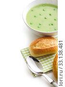 Купить «pea soup with bun», фото № 33138481, снято 6 июня 2020 г. (c) PantherMedia / Фотобанк Лори