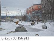 Улица 50 лет Октября в городе Кандалакше в феврале 2020 года. Редакционное фото, фотограф александр лупкин / Фотобанк Лори