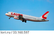 Купить «Laudamotion Airbus A320-232 OE-LOJ taking off from Barcelona Airport», фото № 33160597, снято 26 января 2020 г. (c) Яков Филимонов / Фотобанк Лори