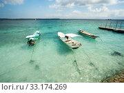 Small boats on nusa penida beach, Bali Indonesia. Стоковое фото, фотограф Zdeněk Malý / PantherMedia / Фотобанк Лори