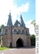 town gate in kampen. Стоковое фото, фотограф Jens Schade / PantherMedia / Фотобанк Лори