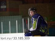 Купить «ice hockey players on bench», фото № 33185309, снято 4 июня 2020 г. (c) PantherMedia / Фотобанк Лори