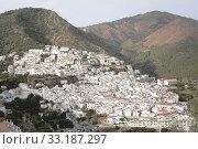 Ojen, white village over a hillside near Marbella, Spain. Стоковое фото, фотограф G. Aunion Juan / PantherMedia / Фотобанк Лори